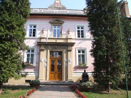 Borító kép a Déli ASzC Ujhelyi Imre Mezőgazdasági Technikum, Szakképző Iskola és Kollégium intézményről